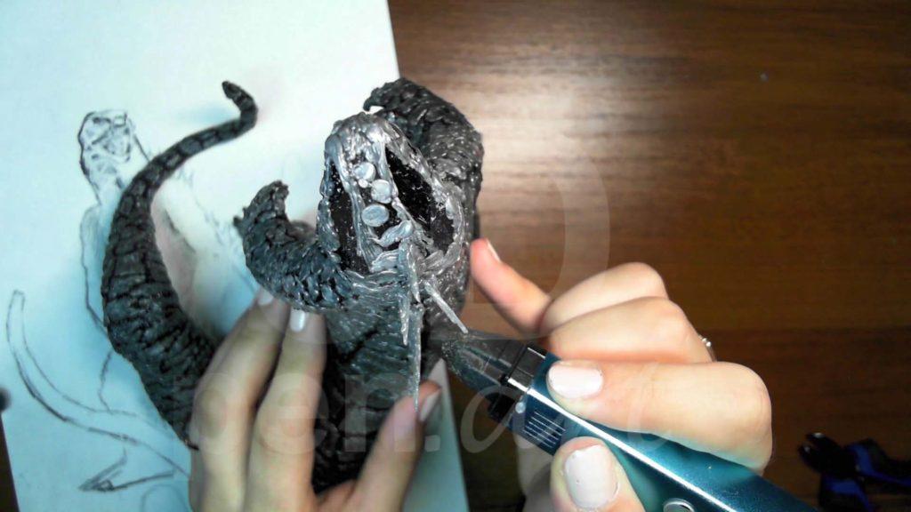 Годзилла 3D ручкой. Присоединяем детали к спине