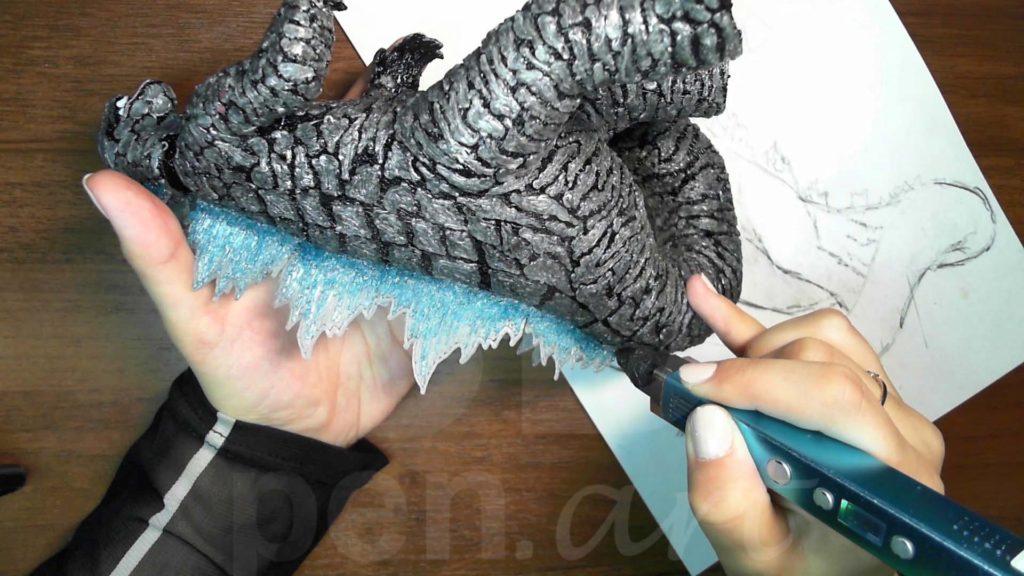 Годзилла 3D ручкой. Штриховка гребня голубым