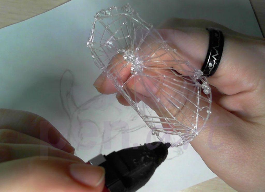 Собака 3D ручкой. Черновая штриховка каркаса туловища