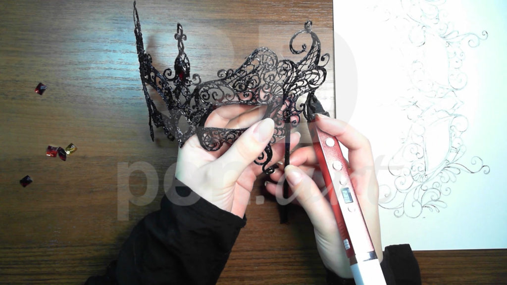 Маска 3D ручкой. Присоединяем палочку
