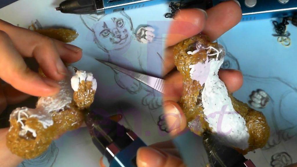 Рысь 3D ручкой. Закрашиваем белым живот