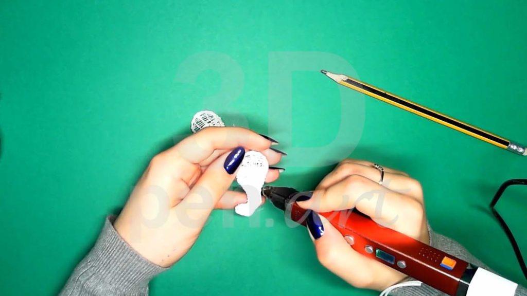 Хаски 3D ручкой. Черновая штриховка задних лап