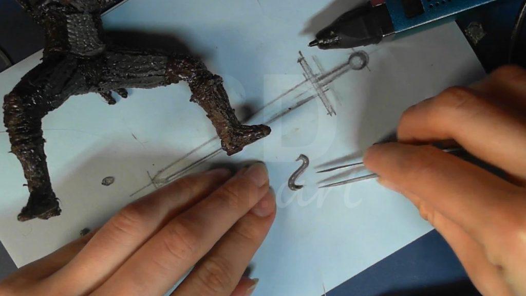 Ведьмак 3D ручкой. Обводим крюк по трафарету