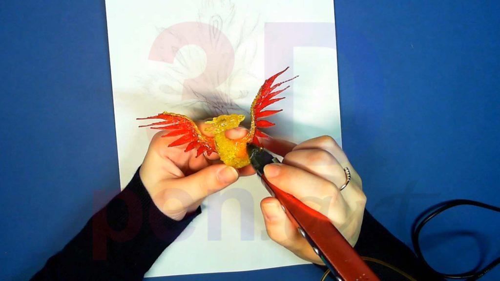 Феникс 3D ручкой. Красные перья. Штриховка золотым цветом